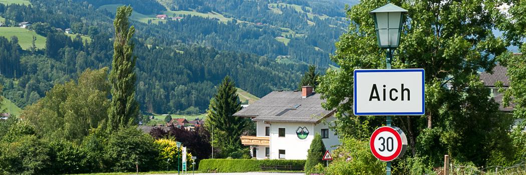 View towards the mountains Dachstein, Planai en Kaibling